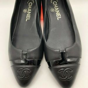 Chanel Patent T Cap Pointy Toe Flat Dress Shoes 36